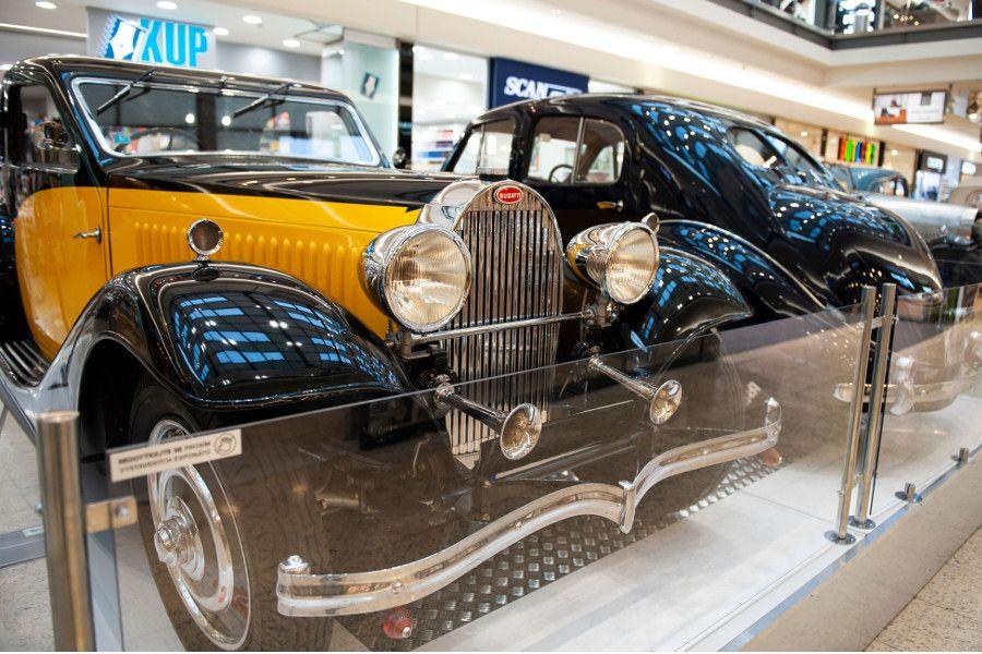 Značka Bugatti slaví 110 let od svého založení výstavou historických vozů v  Galerii Vaňkovka 713f7cb2f2